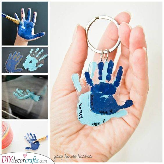 Handprint Keychains - Homemade Fathers Day Gifts