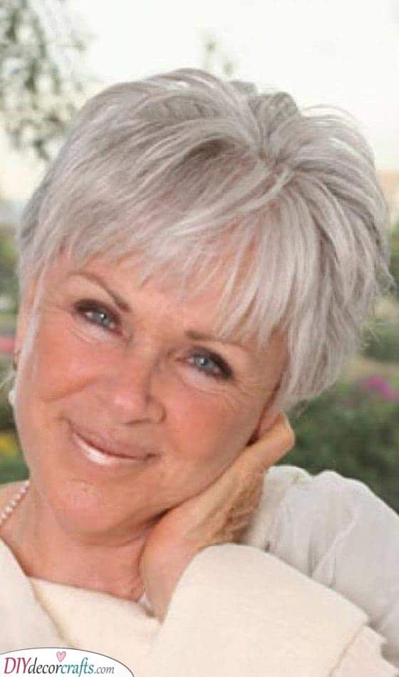 Classic and Trendy - Fine Hair Short Hairstyles for Over 50