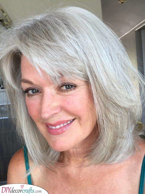 Messy Bob - Short Hairstyles for Thin Hair Over 50
