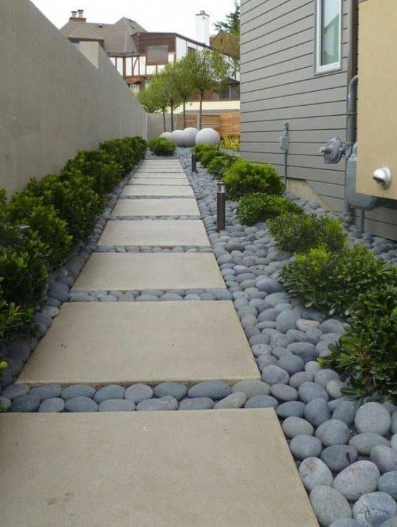 Simplistic Squares - Garden Walkway Ideas