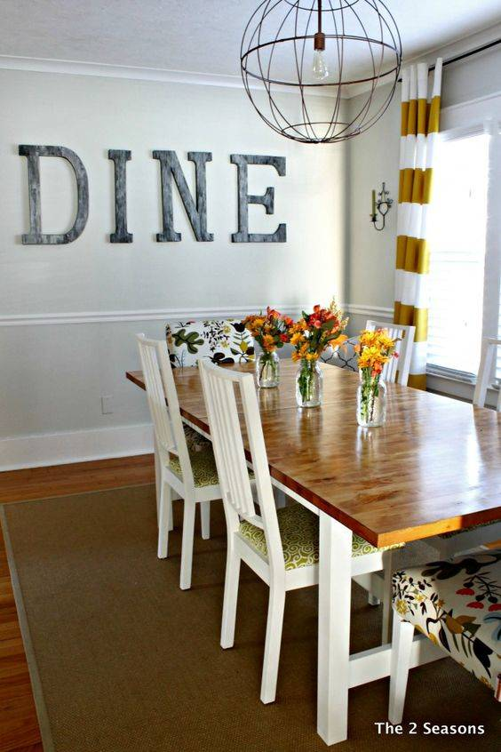 Emphasis on Dining - Dining Room Wall Ideas