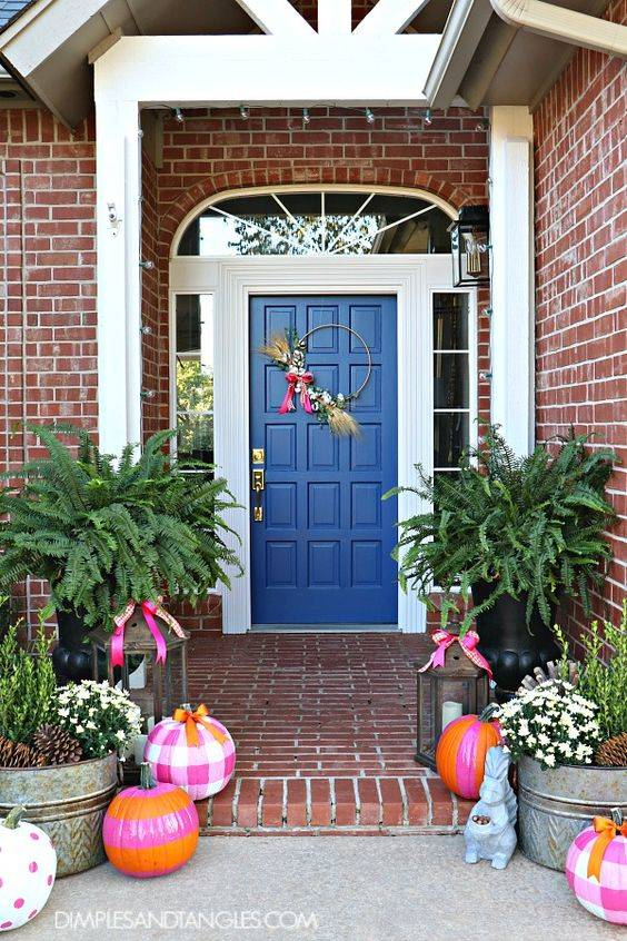 Unique and Funky - Front Porch Fall Decorating Ideas