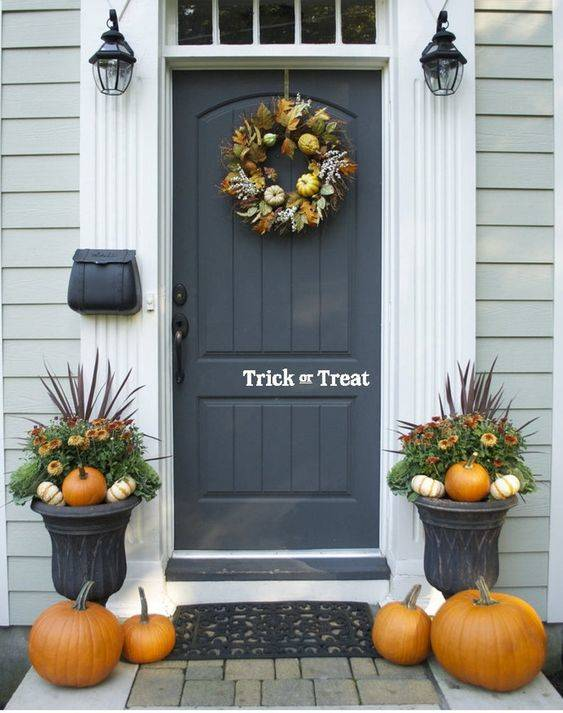 Keeping It Stylish - Front Porch Fall Decorating Ideas