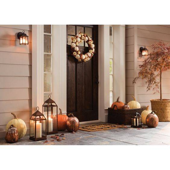 A Classic Design - Front Porch Fall Decorating Ideas