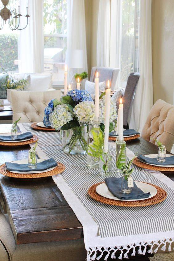 Blue and White - Simple Dining Table Centrepiece Ideas