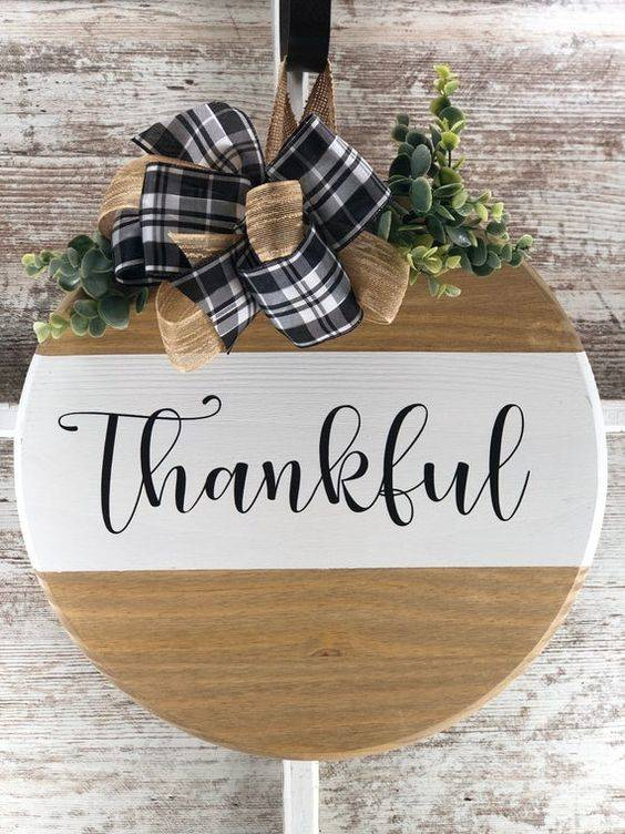 A Minimalist Design - Thanksgiving Wreaths for Front Door