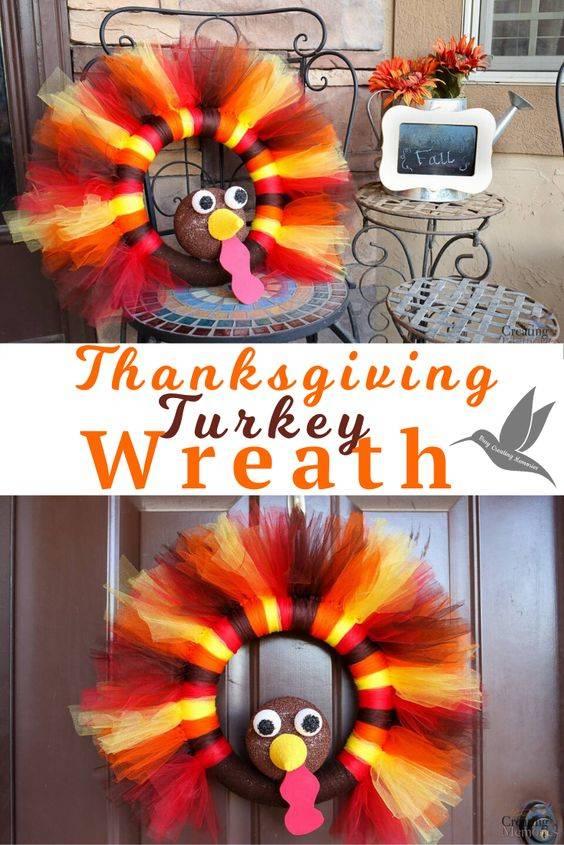 A Tulle Turkey - Thanksgiving Door Decorating Ideas