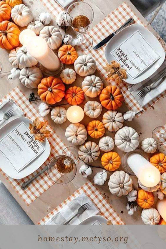 Pretty in Pumpkins - Thanksgiving Table Decor Ideas