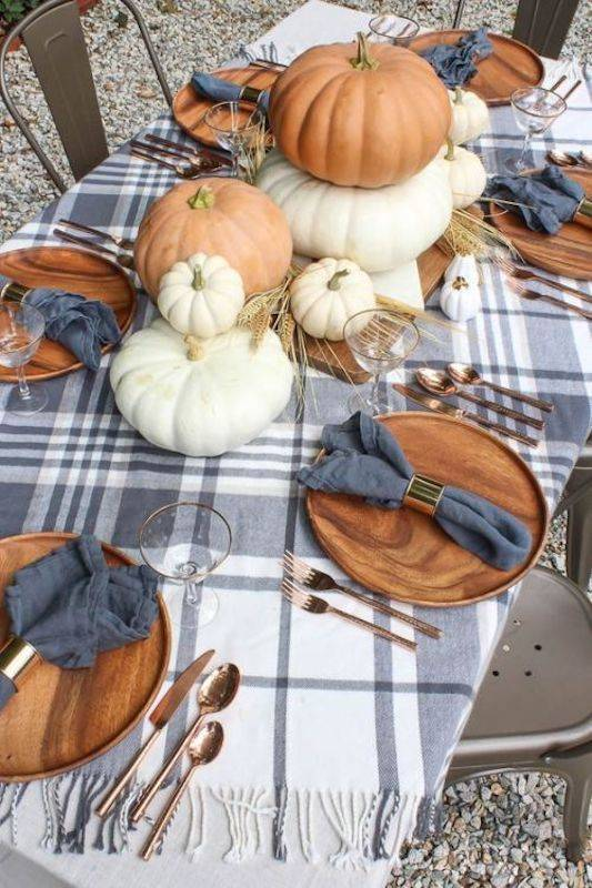 A Classic Look - Thanksgiving Place Settings