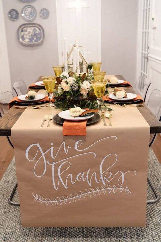 A Table Runner - Allow Everyone to Write Messages