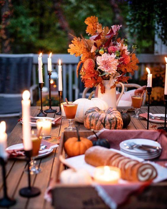 A Vase of Autumn - Thanksgiving Table Setting Ideas