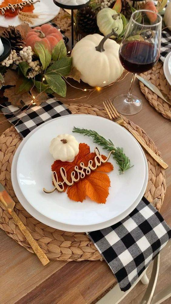 Decorate the Plates - Pretty and Stunning