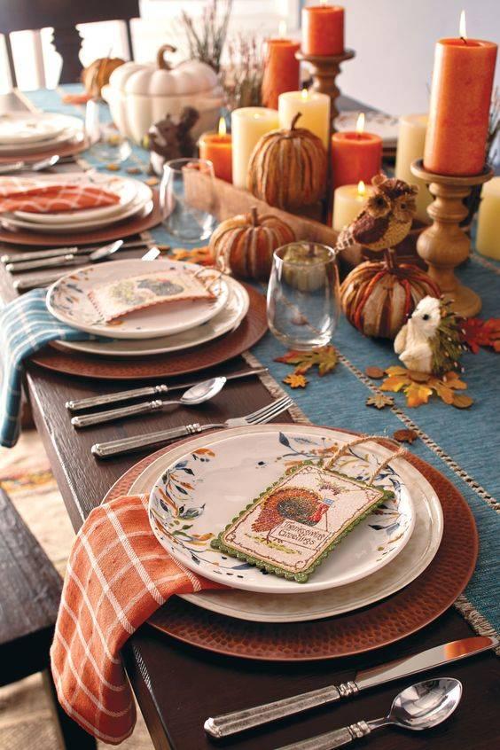 Cute Autumn Animals - Thanksgiving Table Decor Ideas