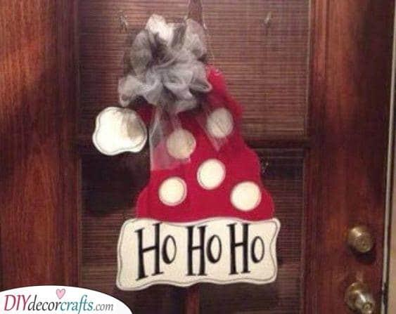 A Santa Laugh - Cute Santa Claus Wreath Ideas