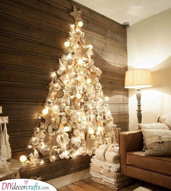 White and Gold - Wall Hanging Christmas Tree Decor