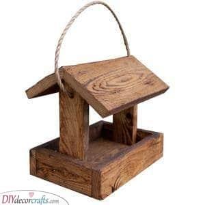 Simplistic and Chic - Homemade Bird Feeder Ideas