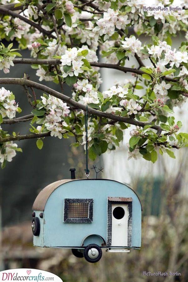 A Cool Caravan - Squirrel Proof Bird Feeder