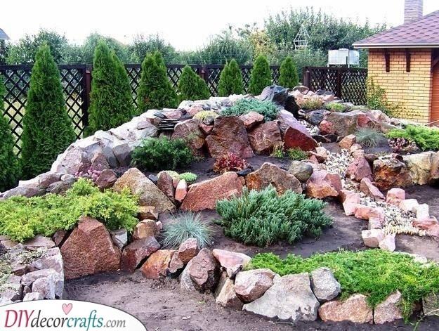 A Large Mound - Cool Rockery Garden Design