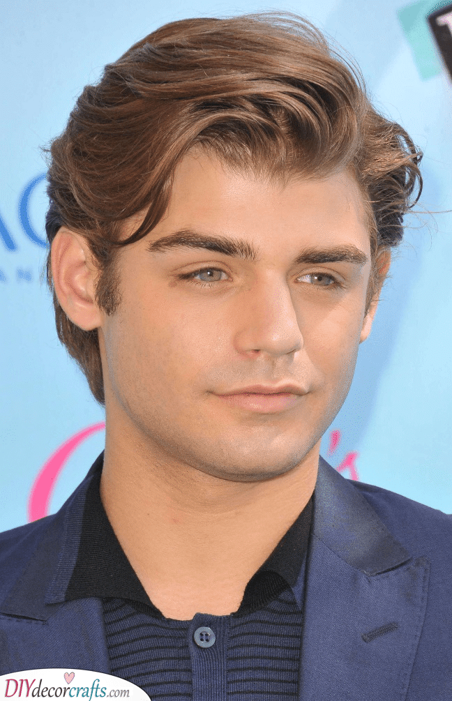 Swept to the Side - Men's Haircut Styles for Round Face