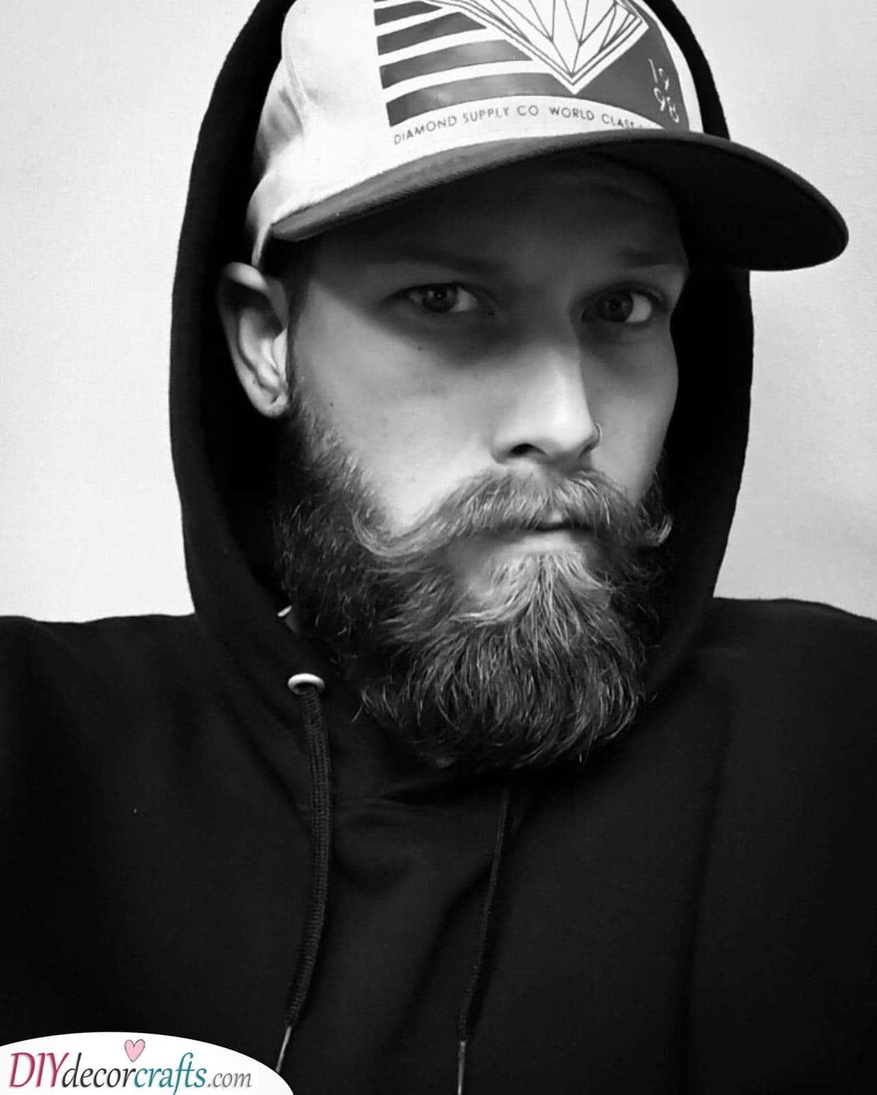 A Unique Moustache - Men's Medium Beard Styles