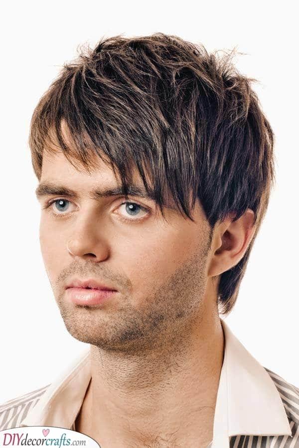 A Textured Cut - Cool Men's Medium Hairstyles