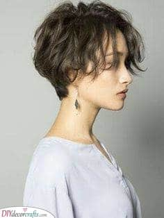 Wonderful and Wavy – Short Natural Hairstyles for Women