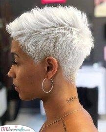 Perfect for Older Women – A Taper Cut