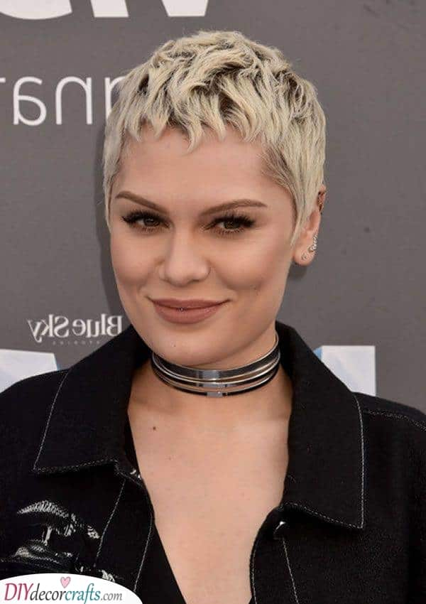 Simple and Chic – Short Haircut Styles for Women