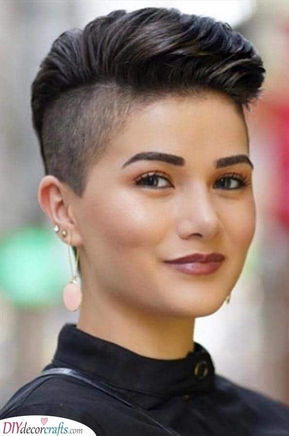 A Bold Undercut – Short Haircut Styles for Women