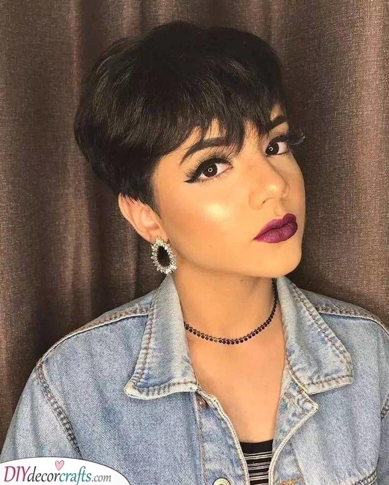 A Cropped Pixie – Short Haircut Styles for Women