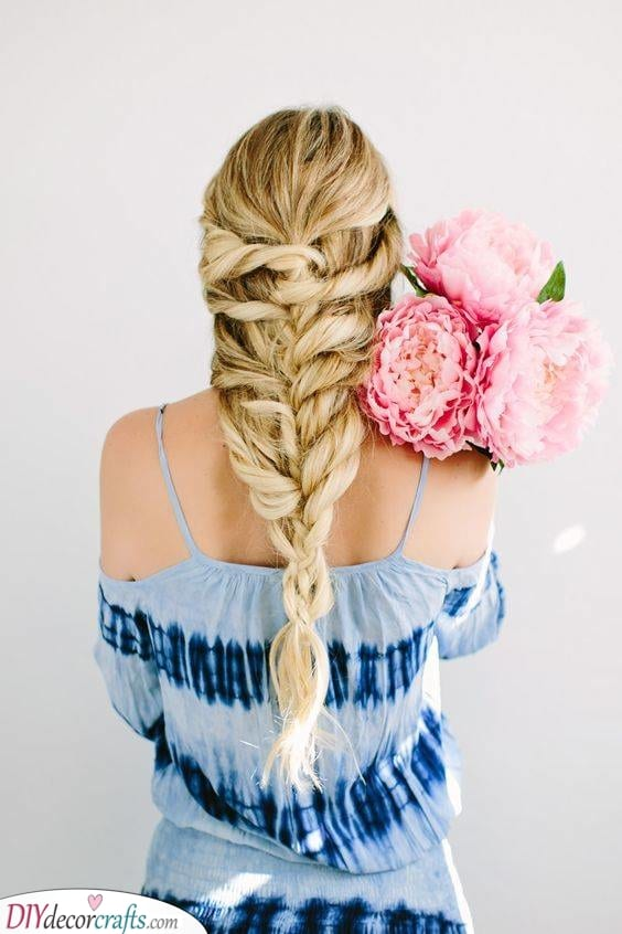 A Gorgeous Braid - Curly Hairstyles for Girls