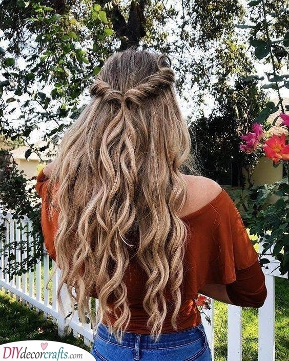 Gorgeous and Lovely - Curly Hairstyles for Women