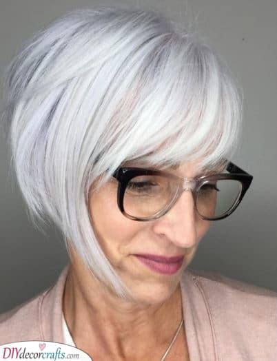 A Flattering Bob - Over 50 Hairstyles with Glasses