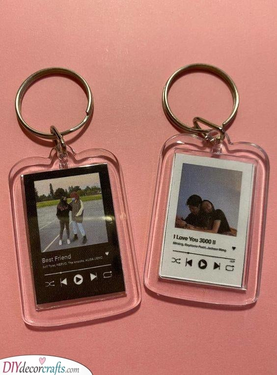 A Spotify Keychain - Cute and Personal