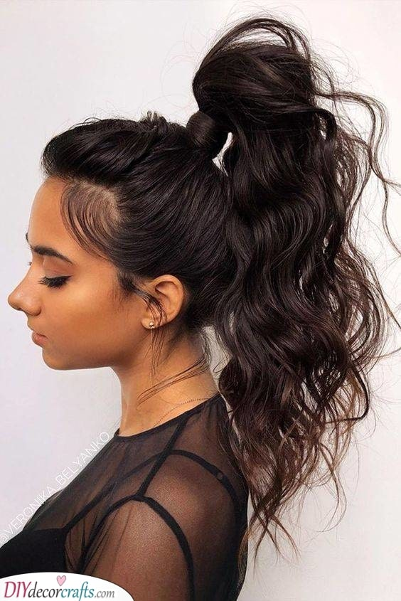 The High Ponytail - Minimal and Simplistic