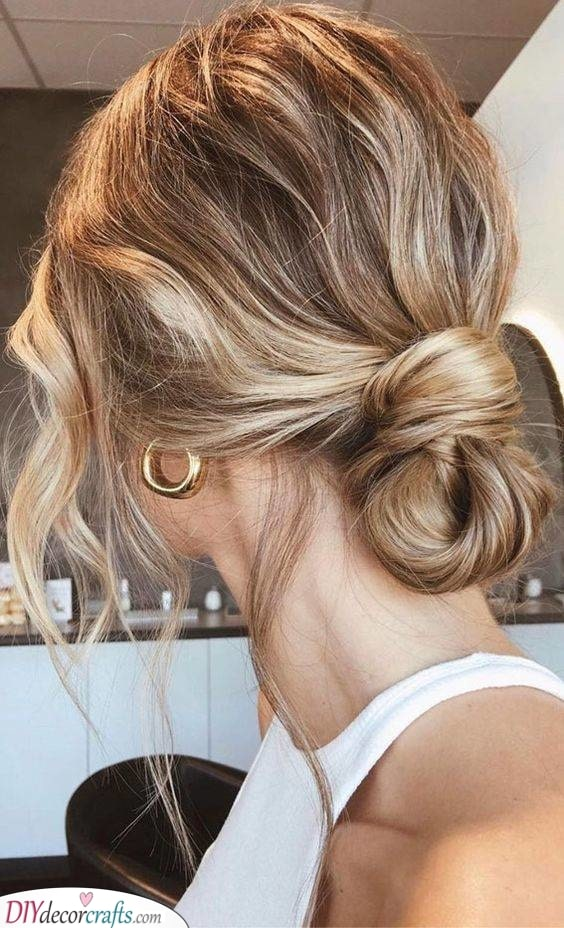 A Gorgeous Updo - Looking Your Best