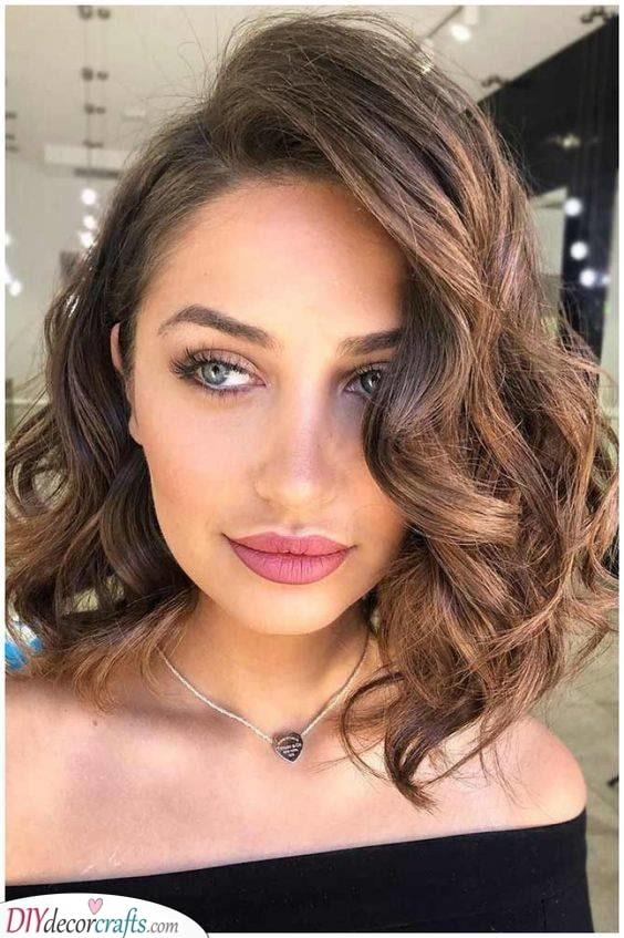 Beautiful Curls - Medium Haircuts for Women
