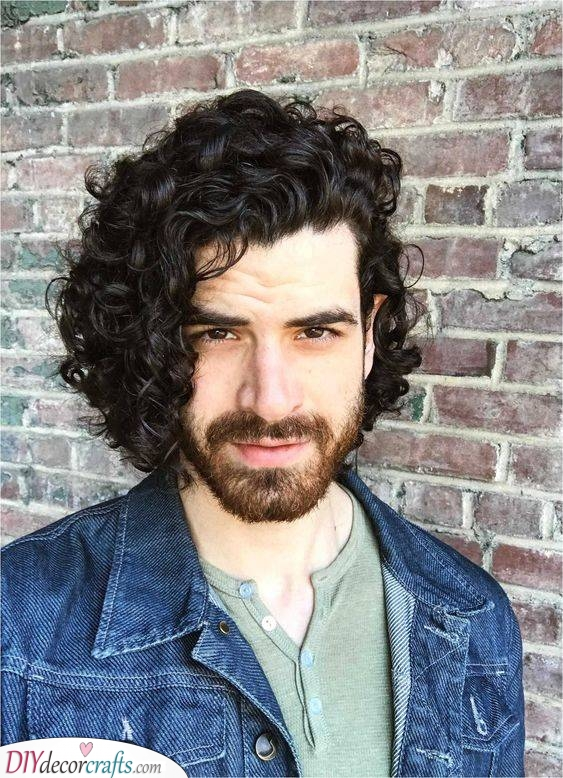 Chin-Length Curls - Easy Curly Hairstyles for Boys