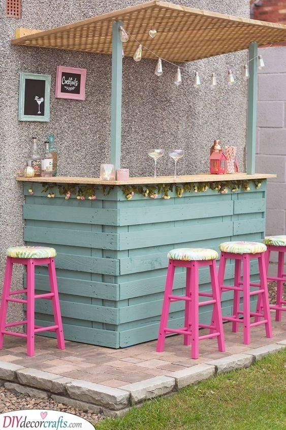 Cute and Easy - Outdoor Bar Ideas for Backyard