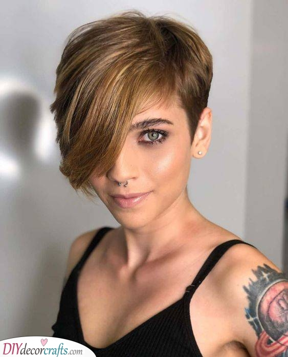 A Long Fringe - Short Haircuts for Women with Thin Hair