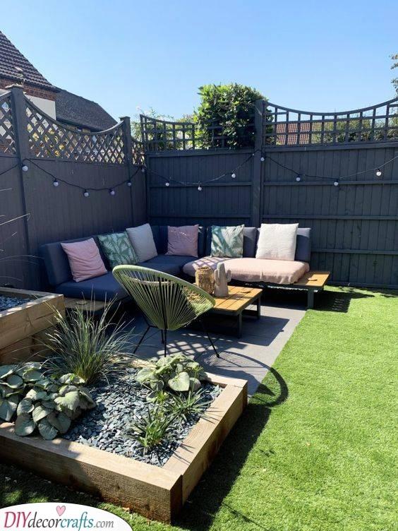 A Cute Corner - Small Backyard Garden Ideas