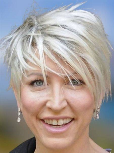 Short Haircuts for Women Over 50 - Fun and Easy